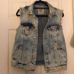 Zara Trafaluc Size Medium Premium Wash Denim Vest